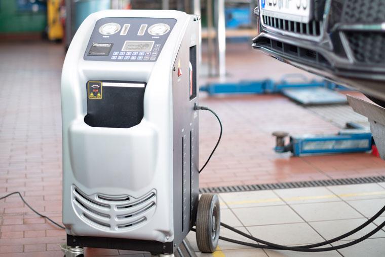 Automatikgetriebeölspülung bei Auto Hartl