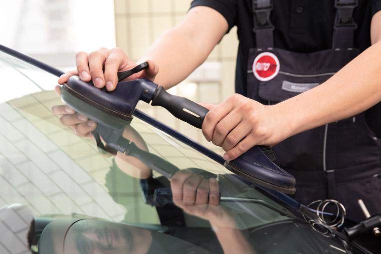 Autoglas-Service und Steinschlagreparatur
